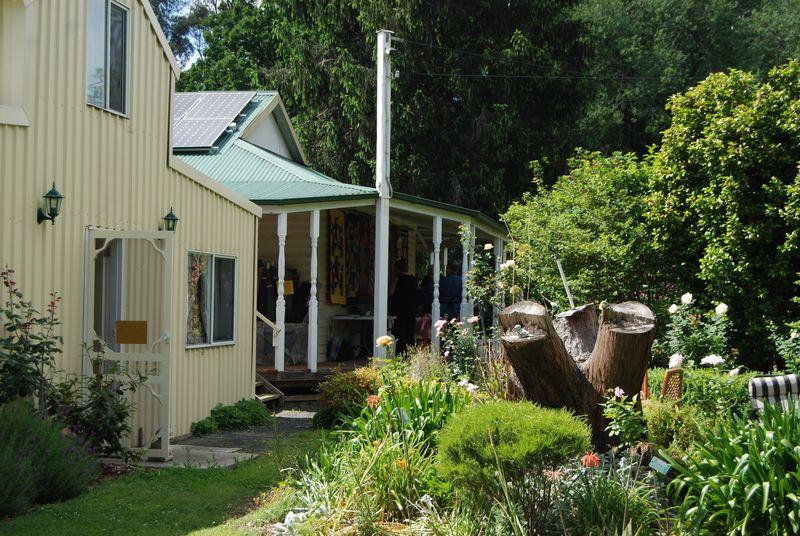 Quiltfair house and barn