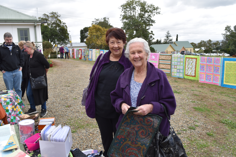 Cwa12) Nellie looking for a quilt she made